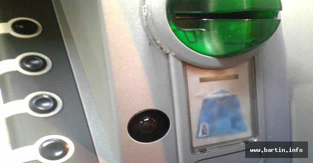 ATM Fareleri Kıskıvrak Yakalandı