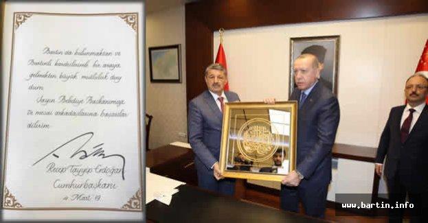 Başkan Erdoğan Şeref Defterini imzaladı