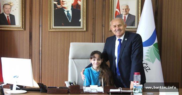 Başkan Karaman Koltuğu İlayda'ya Bıraktı