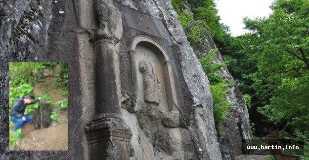 2 Bin Yıllık Tarihi Anıtı Talan Ettiler