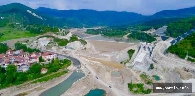 Kozcağız Barajında Hummalı Çalışma