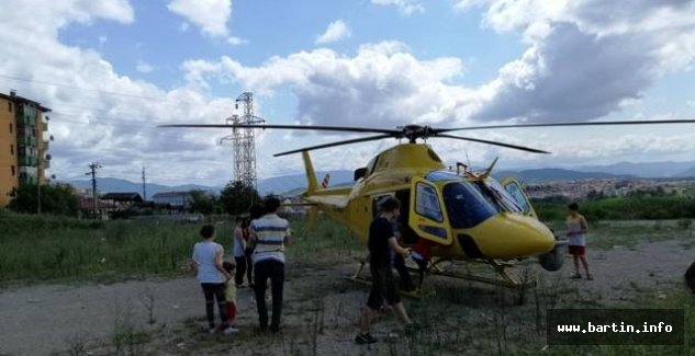 Mahalleye inen helikopter merak uyandırdı