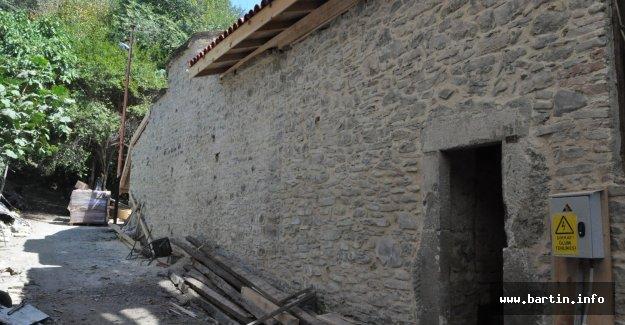 129 Yıllık Tarihi Hamam Restore Ediliyor