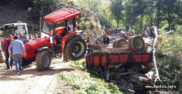 Traktör Uçuruma Devrildi