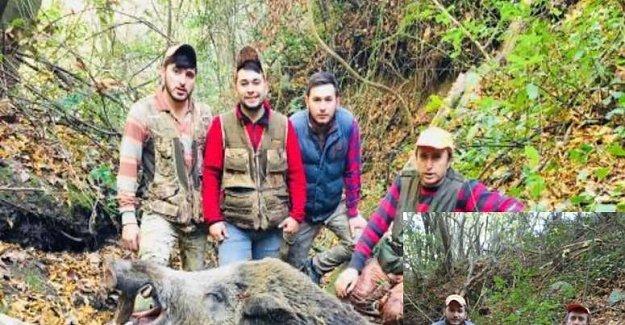 450 kiloluk domuz ile hatıra fotoğrafı