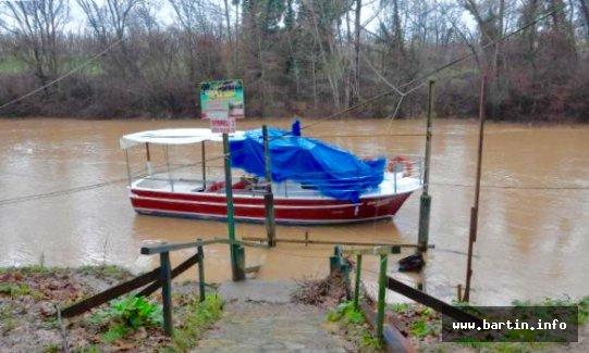 Baraj Kapakları Açıldı, Sular Yükseldi