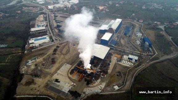 Demir-çelik fabrikasının hurdalığında yangın