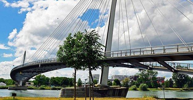 Bartın Irmağına Yaya Köprüsü