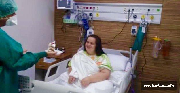 Yoğun Bakımdaki Covid'li Özel Hastaya Sürpriz
