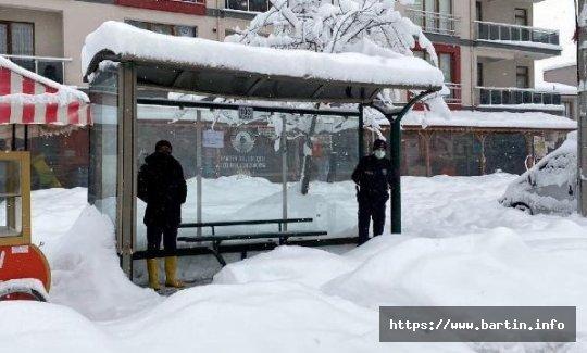 Bartın'da Kar Kalınlığı 1 Metreyi aştı