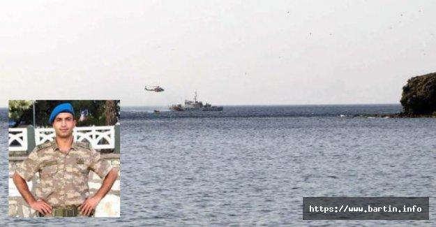 Batan Tekne  Bulundu, Bartınlı Teğmen Aranıyor