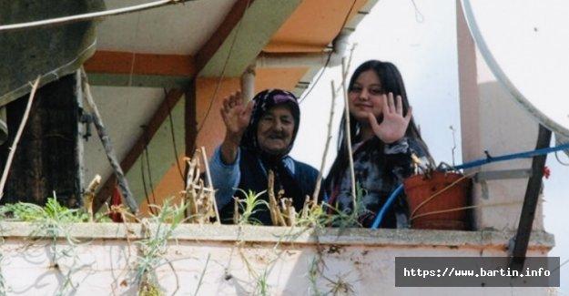 90'lık Kadriye Nine Koronayı Yendi: Misafirliğe Gitmeyin