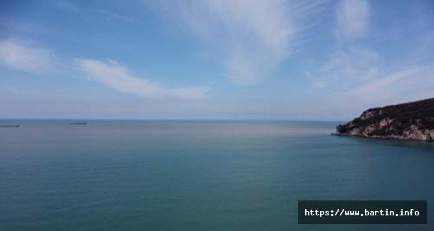 Irmağın Çamurlu Suyu Denizin Rengini Değiştirdi