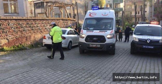 Otomobili Çarptığı Çocuk Metrelerce Sürüklendi