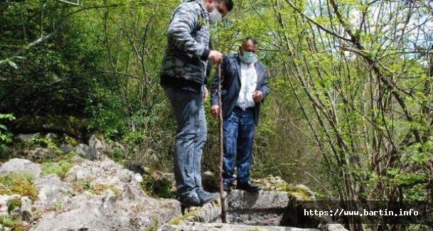 Define Avcıları Tarihi Mezarı Talan Etti