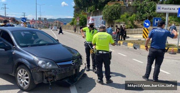 Hastane Girişinde Kaza: 2 Yaralı