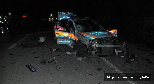 Ters Yöne Giren cip, jandarma aracıyla çarpıştı: 4 Yaralı