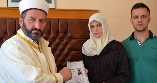 ABD'li Ashlee İslam'ı seçip Ayşe oldu