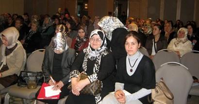 Ak Kadınlar Konferansta biraraya geldi