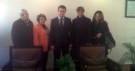 Ak Parti Kadın Kolları, Vergi Dairesi Müdürü'nü ziyaret etti