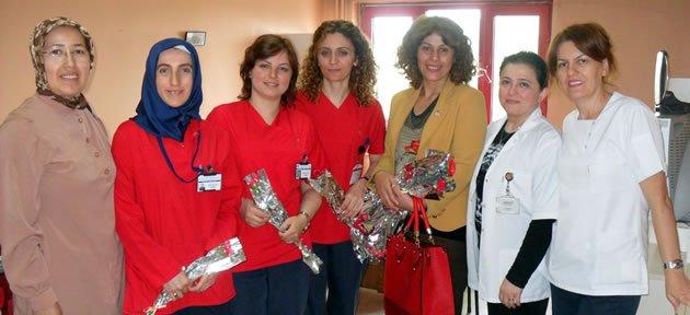 Ak Parti'den Hemşireler Haftası ziyareti