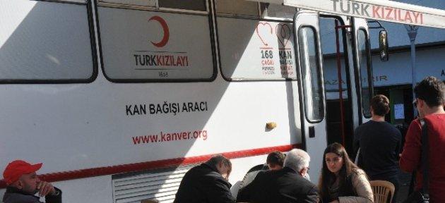 Akçakoca'da Kızılay'a Kan Bağışı