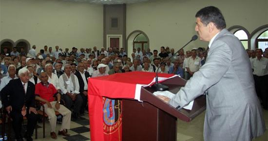 Akın, Türkiye Emekliler Derneği genel kuruluna katıldı