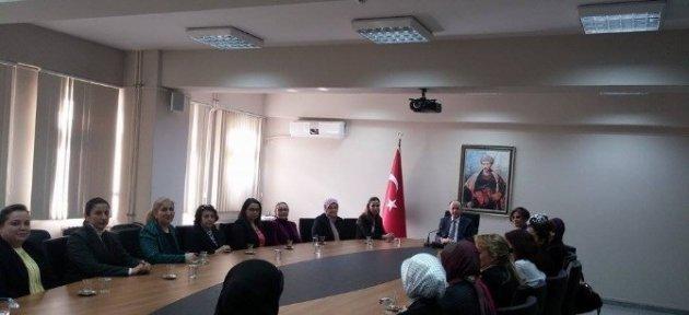 Ak Partili Kadınlardan Vali Azizoğluna Ziyaret