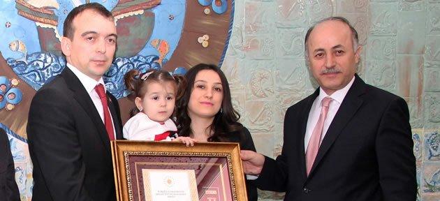 Altan'a Devlet Övünç Madalyası