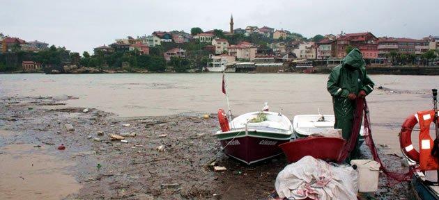 Amasra Küçük Liman Sahili Çöplüğe Döndü