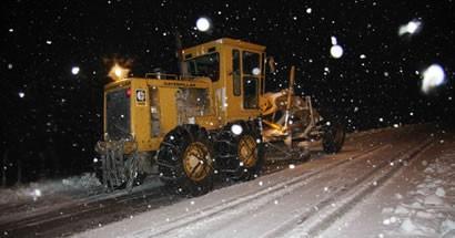 Bartın Belediyesi karla mücadele çalışmalarına devam ediyor
