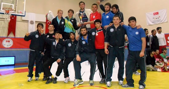 Bartın Üniversitesi Güreşçileri Türkiye Şampiyonu