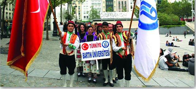 Bartın Üniversitesi Halkoyunları Ekibi Fransa'da