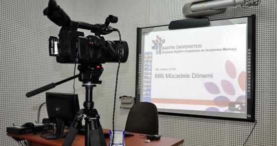 Bartın Üniversitesi Uzaktan Eğitimle 225 Öğrenci Alıyor