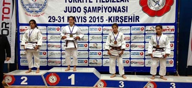 Bartınlı Sevcan Türkiye Şampiyonu