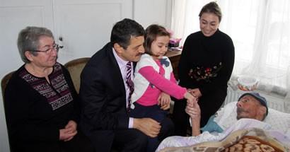 Başkan Akın, 102 yaşındaki Ali İhsan Kabarık'ı ziyaret etti