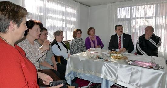 Başkan bayanlar ile iki saat sohbet etti