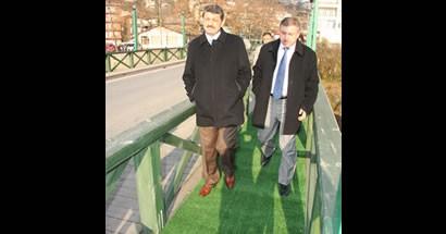 Başkan Orduyeri köprüsüne halı serdi