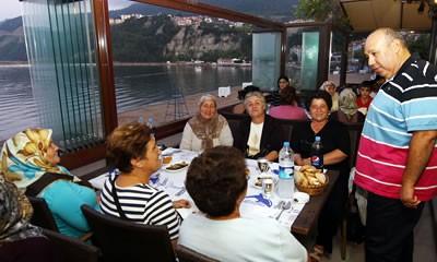 Başkan yaşlılarla iftarda buluştu