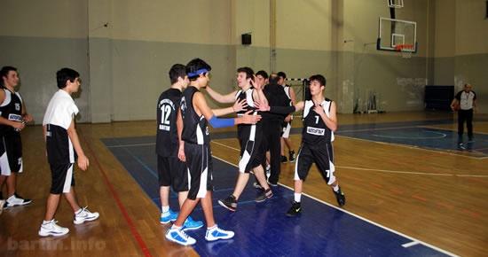 Basketbolda finalin adı: DFAL vs Anadolu Öğretmen Lisesi