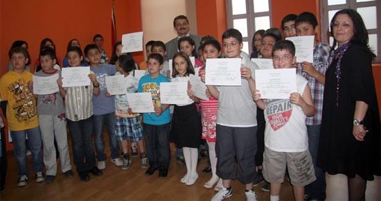 Belediye Dil Kursiyerleri belgelerini aldı