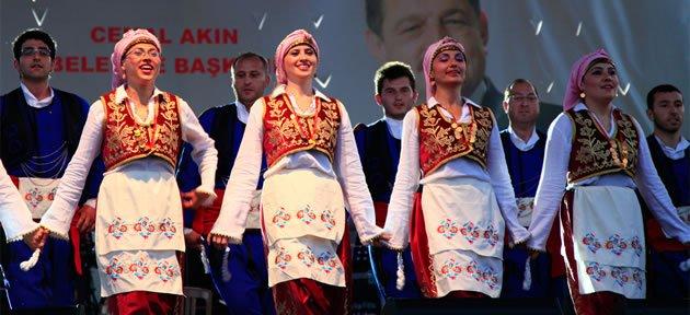 Belediye Halk Dansları Topluluğu doludizgin