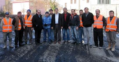 Belediye'den okullara asfalt desteği