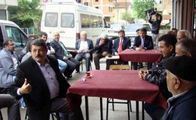 Bilgin merkezde ve köylerde kahve toplantılarında