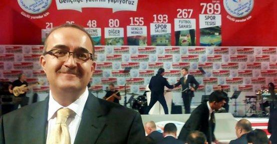 Bir İstifa da Ankara'dan