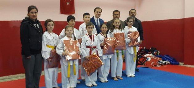Bolu'dan 8 Madalyayla Döndüler