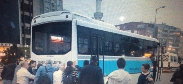 Bu Kez Vatandaş Otobüsü Taşıdı