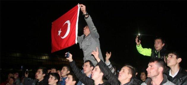 Bursa'da Davullu Zurnalı Asker Uğurlama Coşkusu