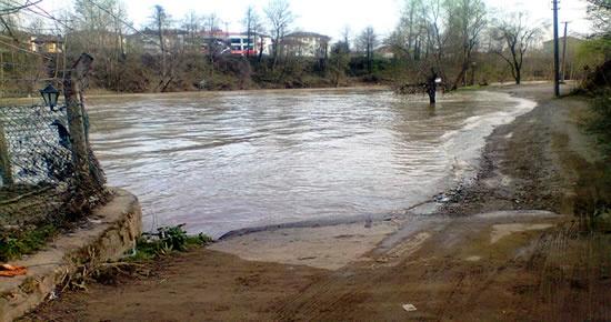 Çağlayan Piknik Alanına Sular Geçit Vermiyor