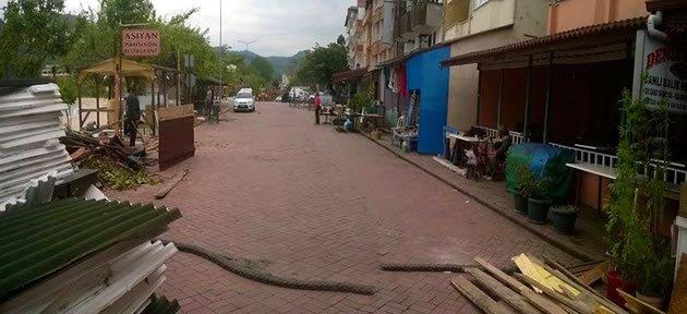Çakraz'da Olaylı Yıkım